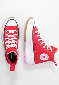 Converse - RUN STAR HIKE - Baskets montantes - university red/peony pink/white - 3