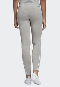 adidas Originals - ADICOLOR TREFOIL TIGHTS - Leggings - grey - 2