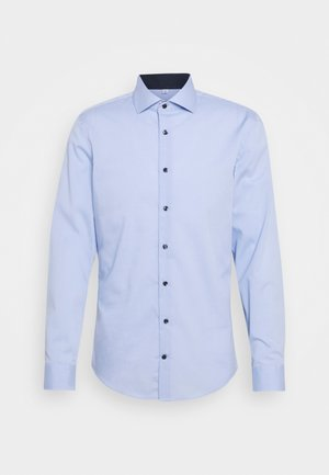 SLIM SPREAD PATCH - Formal shirt - hellblau
