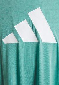 adidas Performance - 3 BAR TEE - T-shirts med print - mint ton/white - 2