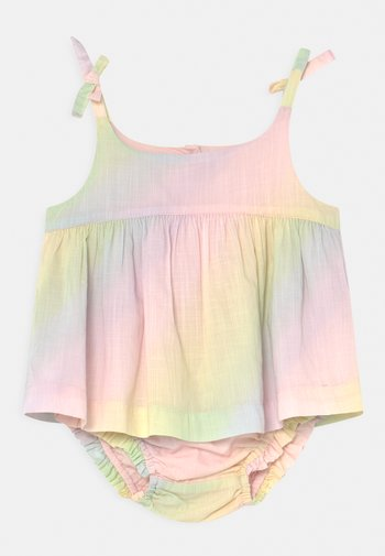 MAY OUTFIT SET - Top - rainbow