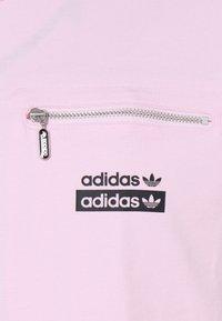 adidas Originals - TEE UNISEX - T-shirt con stampa - clear pink - 2