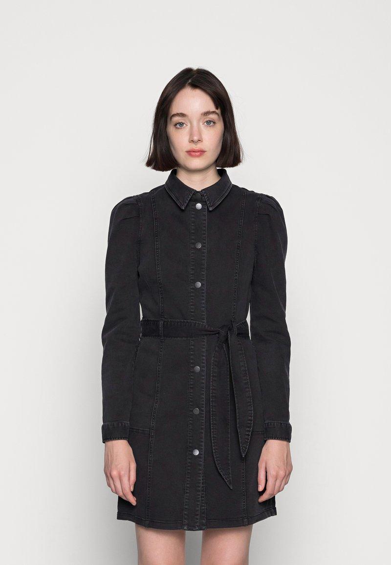 Vero Moda - VMMAGGIE SHORT DRESS - Denim dress - black