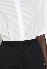 Filippa K - JESSA - Shorts - black - 4