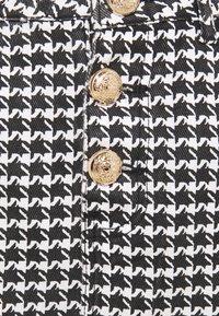 Missguided Petite - HOUNDSTOOTH SKIRT - Mini skirt - black - 2