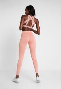 Nike Performance - RUN  - Tights - pink quartz/metallic silver - 2