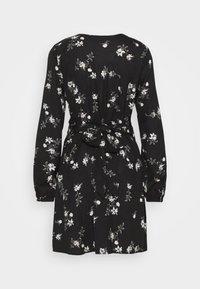 Vero Moda - VMFALLIE TIE DRESS - Skjortekjole - black - 12