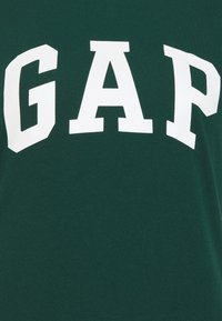 GAP - TEE - Camiseta estampada - tropic green