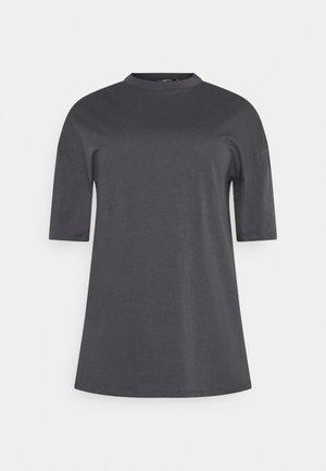 OVERSIZED  DRESS - Žerzejové šaty - charcoal