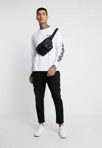 Napapijri The Tribe - SOLT  - Langærmede T-shirts - bright white - 1