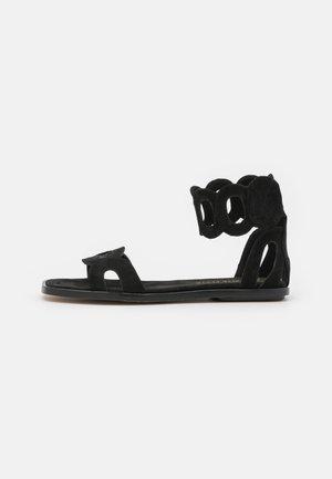 VEGAN HORTENSIA - Sandalen met enkelbandjes - black