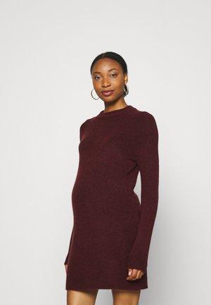 PCMCHAPA O NECK DRESS - Gebreide jurk - red mahogany