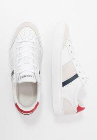 Lacoste - COURTLINE - Matalavartiset tennarit - white/navy/red - 1