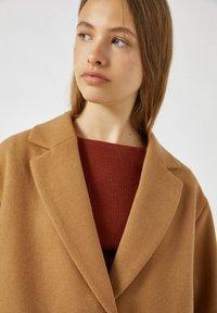PULL&BEAR - Short coat - camel - 3