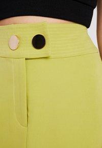 4th & Reckless Petite - RILEY SKIRT - Pouzdrová sukně - lime - 4