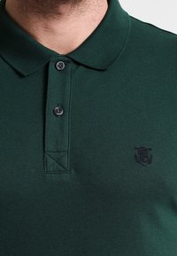 Selected Homme - SLHARO EMBROIDERY - Polo shirt - trekking green - 3