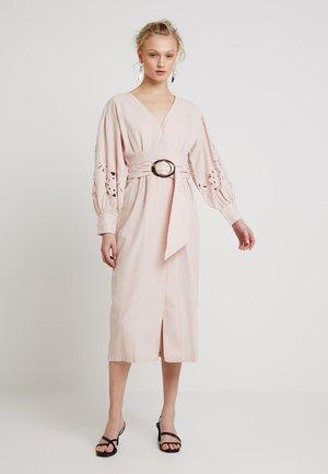 CUTWORK BALLOON SLEEVE - Shirt dress - blush