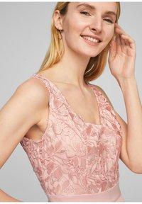 s.Oliver BLACK LABEL - GEBLOEMDE KANT - Maxi dress - spring rose - 3