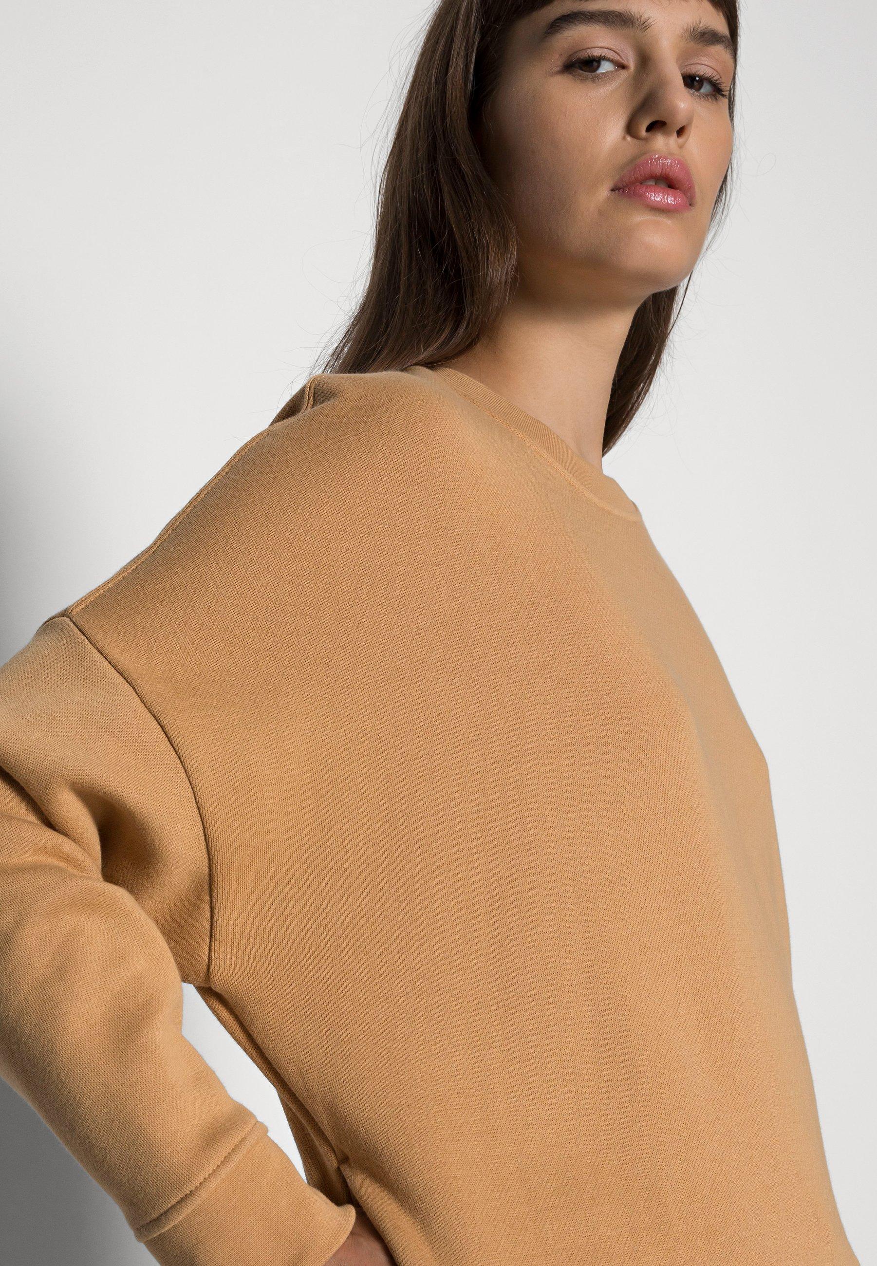 Women CLASSIC CREWNECK - Sweatshirt