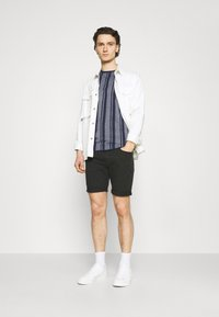 Nerve - SIMON TEE - Print T-shirt - navy blazer - 1