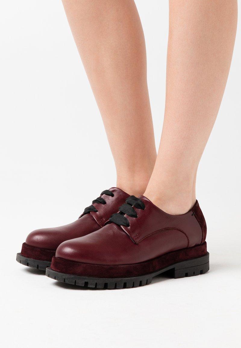 lilimill - Šněrovací boty - prince magenta