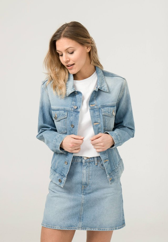 Denim jacket - light-blue denim