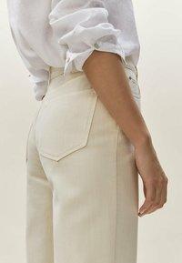 Massimo Dutti - Straight leg jeans - beige - 4