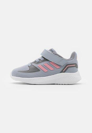 RUNFALCON 2.0 UNISEX - Neutral running shoes - halo silver/super pop/grey three