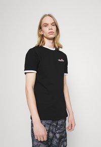 Ellesse - MEDUNO TEE - T-shirt imprimé - black - 0