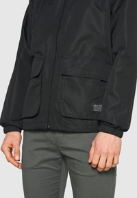 Levi's® - TACTICAL - Summer jacket - blacks - 4