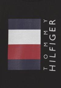 Tommy Hilfiger - GLOBAL STRIPE CREW SET - Chándal - black - 3