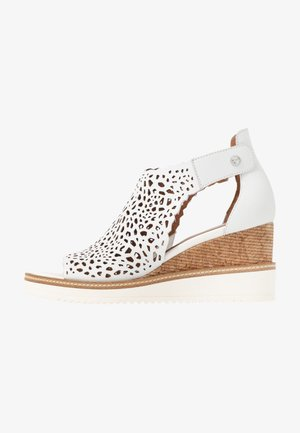 DA.-SANDALETTE - Wedge sandals - white