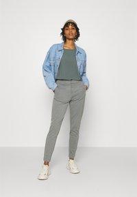 ONLY - ONLPOPTRASH LIFE STRIKE PANT - Trousers - medium grey melange - 1