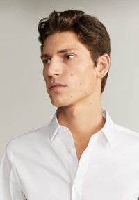 Mango - EMOTION - Formal shirt - white - 4