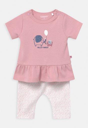 SET - Print T-shirt - light pink