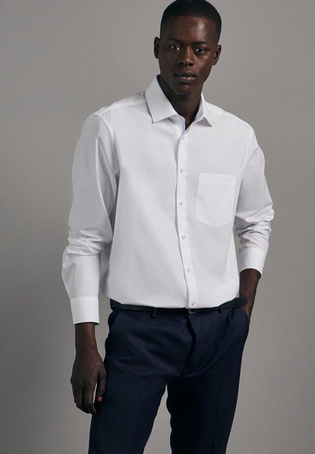 REGULAR FIT - Koszula biznesowa - weiss