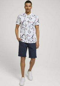 TOM TAILOR DENIM - Polo shirt - white abstract flower print - 1