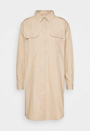 OVERSIZED - Shirt dress - white paper
