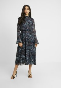 Hope & Ivy Tall - HANKEY HEM DRESS WITH FLUTED SLEEVE - Juhlamekko - blue - 0