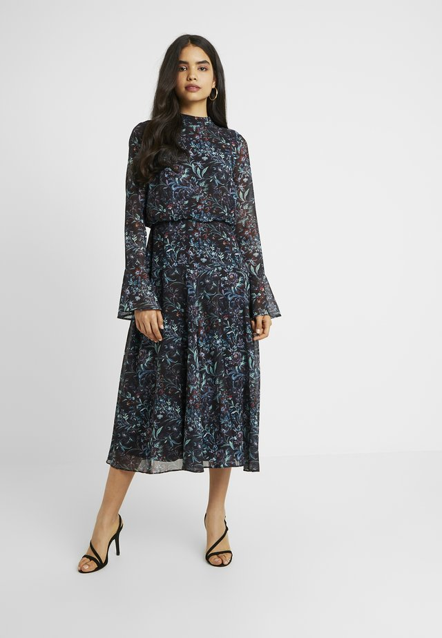HANKEY HEM DRESS WITH FLUTED SLEEVE - Cocktailkjoler / festkjoler - blue