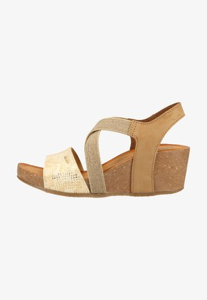 Sandały na koturnie - brown