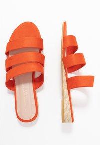 Dorothy Perkins Wide Fit - WIDE FIT FOREVER  - Pantofle - orange - 3