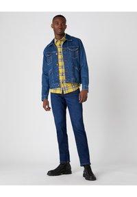 Wrangler - TEXAS - Jeans straight leg - straight shot - 1