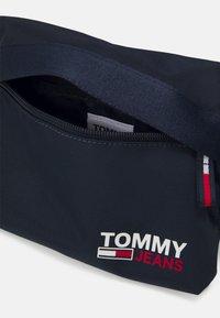 Tommy Jeans - CAMPUS BUMBAG UNISEX - Ledvinka - blue - 2