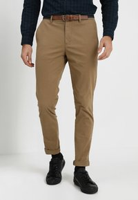 Selected Homme - SLHSLIM JAMERSON PANTS - Chinot - dark camel - 0