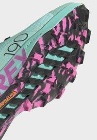 adidas Performance - TERREX SPEED PRO  - Løpesko for mark - green - 5