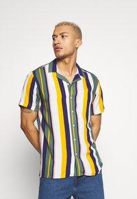 Redefined Rebel - Shirt - duck green - 0