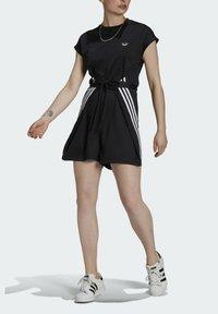 adidas Originals - SHORT JUMPSUIT - Mono - black - 3