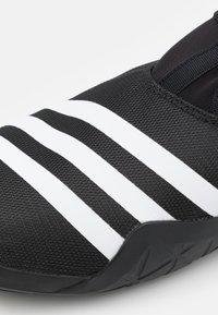 adidas Performance - JAWPAW SLIP ON SUMMER.RDY WATER SHOES - Vannsportsko - core black/footwear white/silver metallic - 5