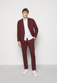 Frescobol Carioca - FORMAL TAILORED TROUSERS - Pantalon de costume - dark red - 1